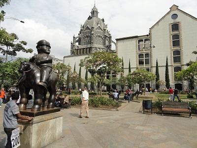 Plaza Botero & Palacio de la Cultura Rafael Uribe Uribe